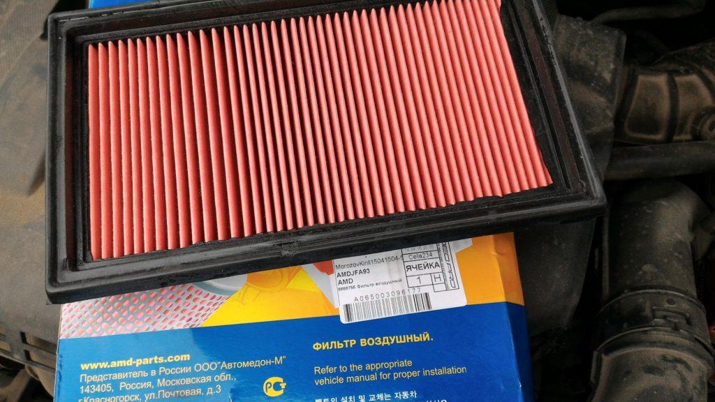 Замена воздушного фильтра Ниссан Тиида Фото инструкция как поменять воздушный фильтр Тиида