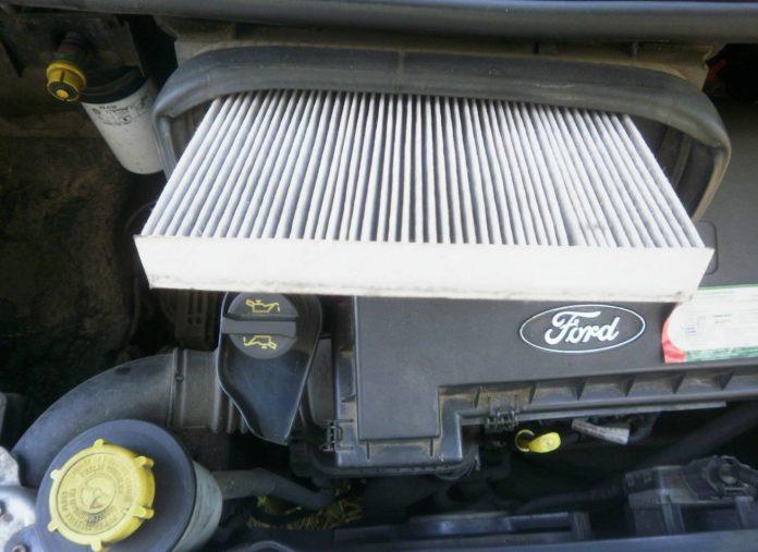 Салонный фильтр на Форд Транзит